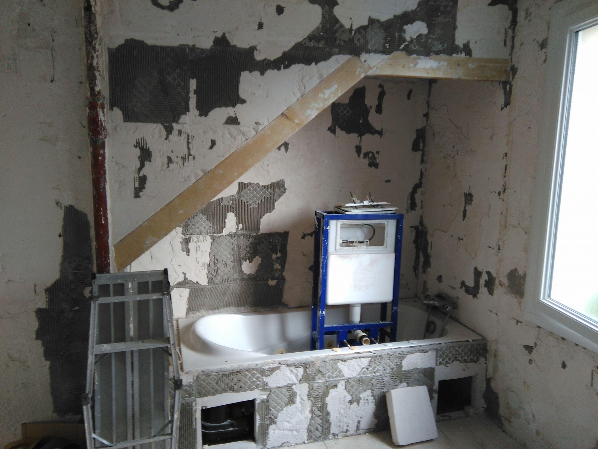 Salle de bain moderne à Velaux, près de la fare les oliviers - AR ...