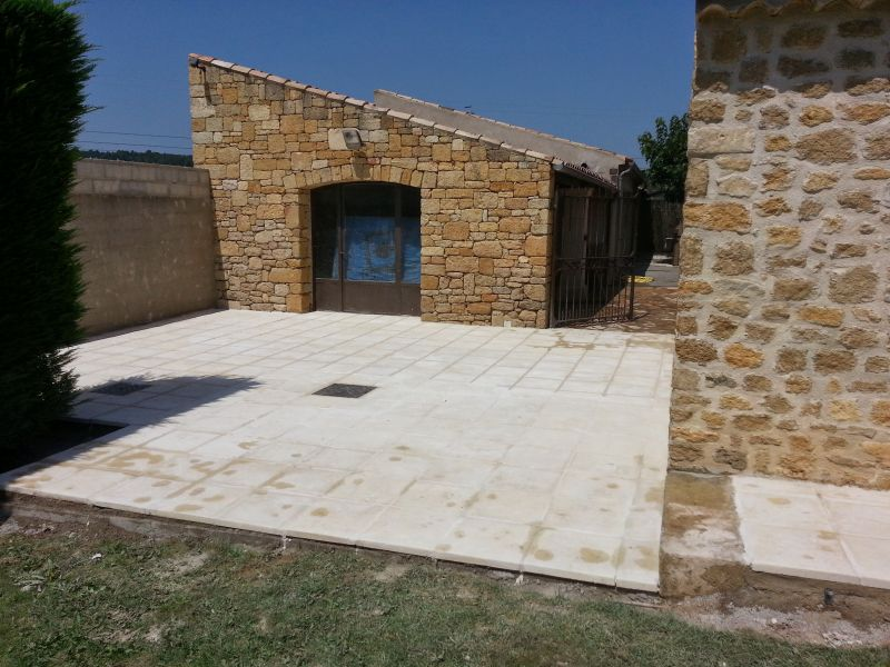 Pose de dalles ext rieur terrasse ville laure proche for Pose dalle exterieur